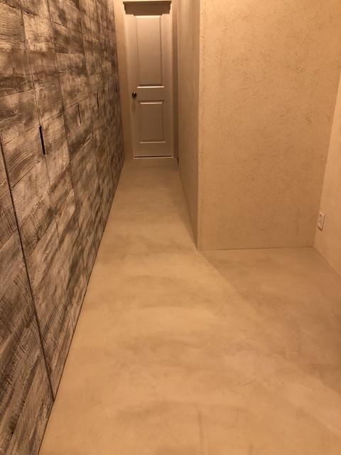 廊下の床もモールテックス